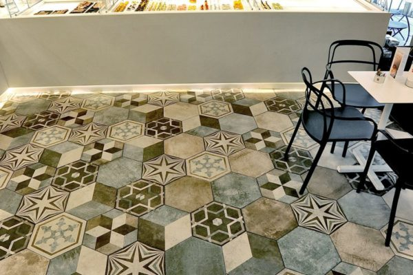 Bar-Pasticceria-La-Veneziana-Ravenna_Ceramica-Fioranese_Heritage_pavimenti-per-interni-1500x600