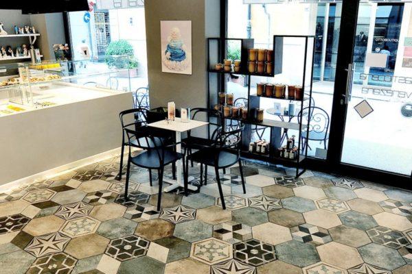 Ceramica-Fioranese_Heritage_piastrelle-cucina_Bar-Pasticceria-La-Veneziana-Ravenna-1500x600