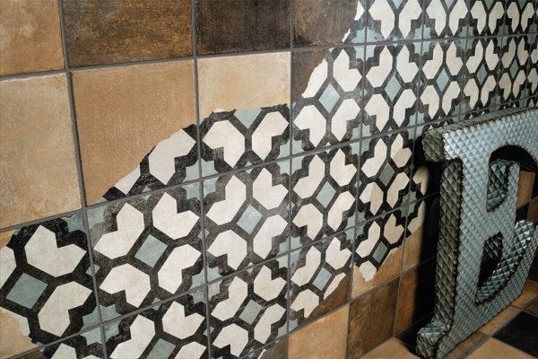 Ceramica-Fioranese_Argillae_Brick-Tale-20x20_Decoro-Complete_Worn_2