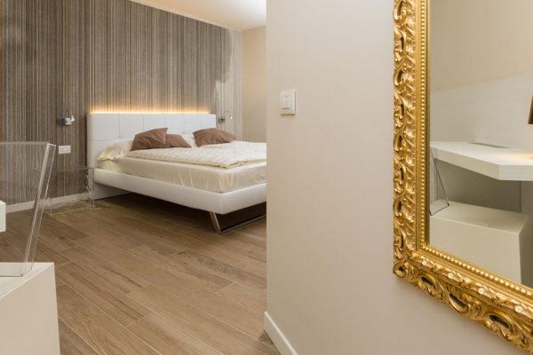 Hotel-Pace_Arco-Trento_Ceramiche-Coem_Habita_gres-porcellanato-effetto-legno