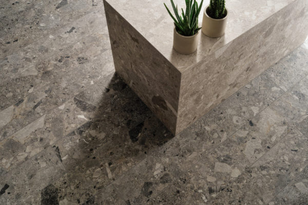Ceramica-Fioranese_Frammenta_Antracite-20,13x120,8_Grigio-Chiaro- 60,4x120,8