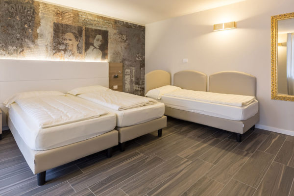 Hotel-Pace_Arco-Trento_Ceramiche-Coem_Signum_gres-porcellanato