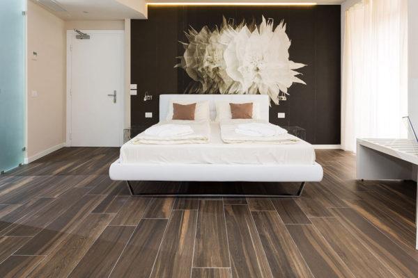 Hotel-Pace_Arco-Trento_Ceramiche-Coem_Signum_pavimenti-in-gres-porcellanato