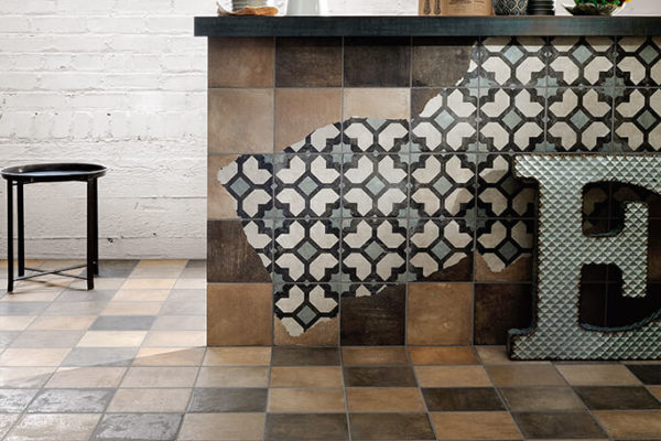 Ceramica-Fioranese_Argillae_Brick-Tale-20x20_Decoro-Complete_Worn_1
